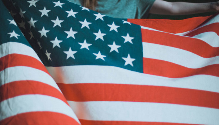 americká vlajka víza